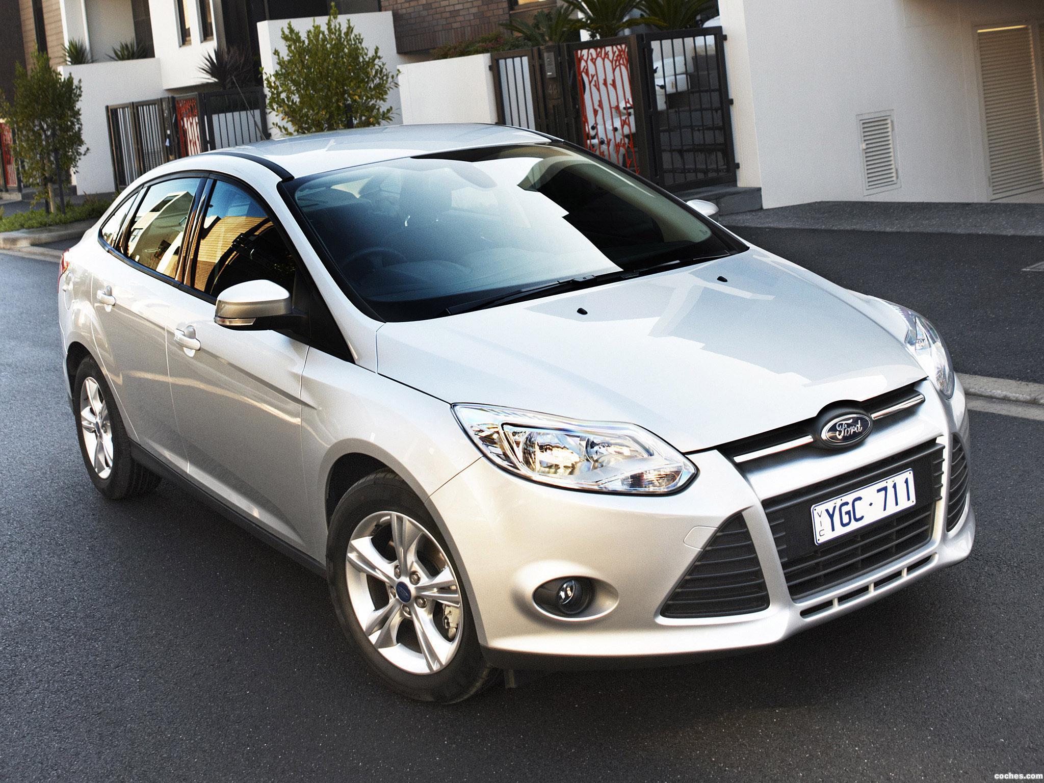 ford_focus-sedan-australia-2011_r29.jpg