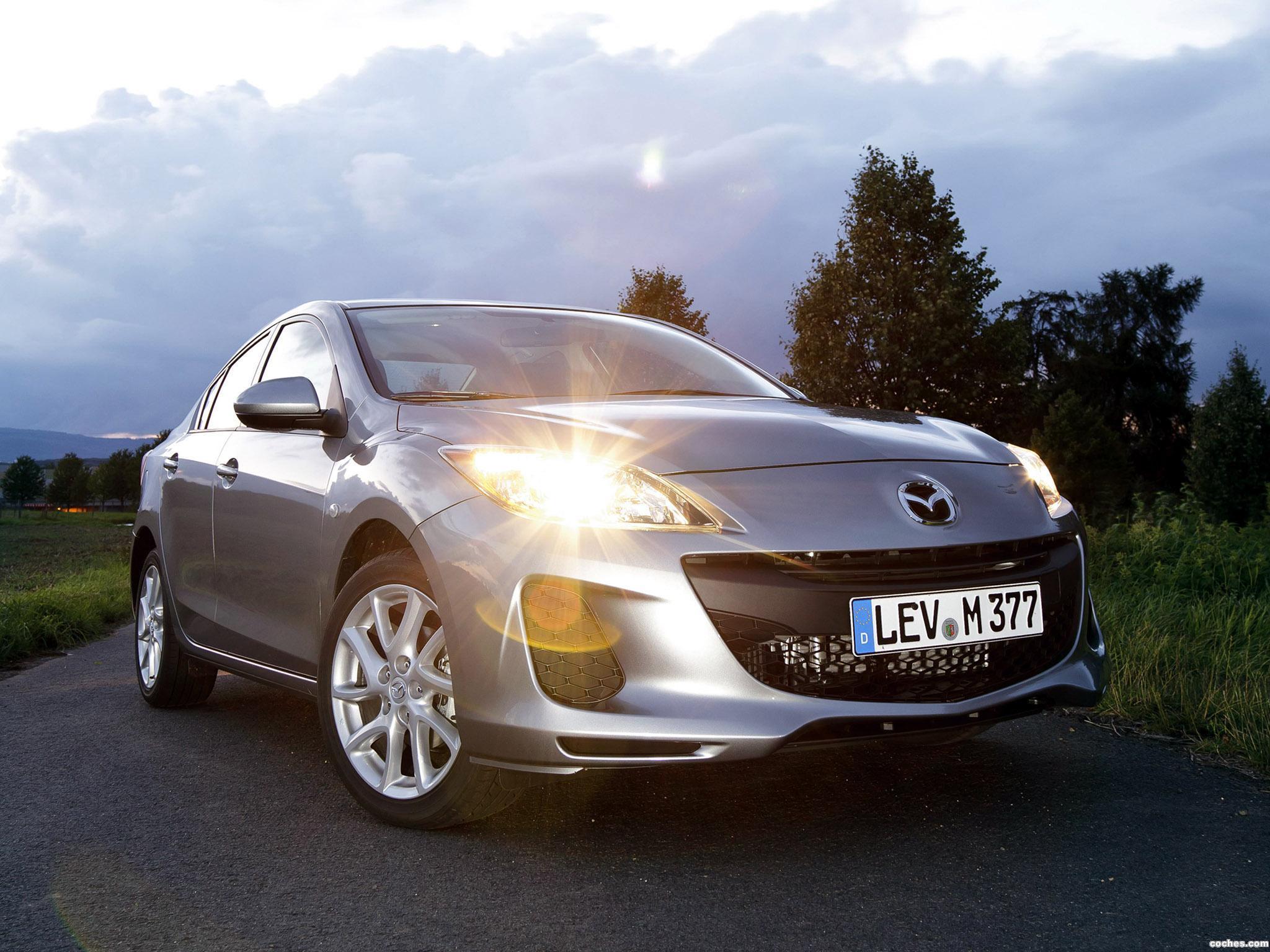 mazda_3-sedan-eu-2011_r19.jpg