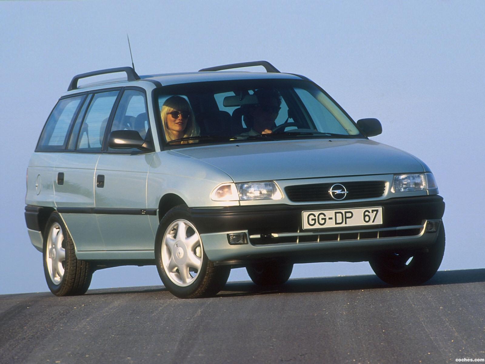opel_astra-caravan-f-1994-98_r10.jpg