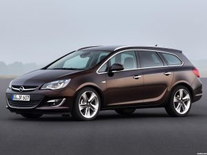 Opel Astra Sports Tourer 2012
