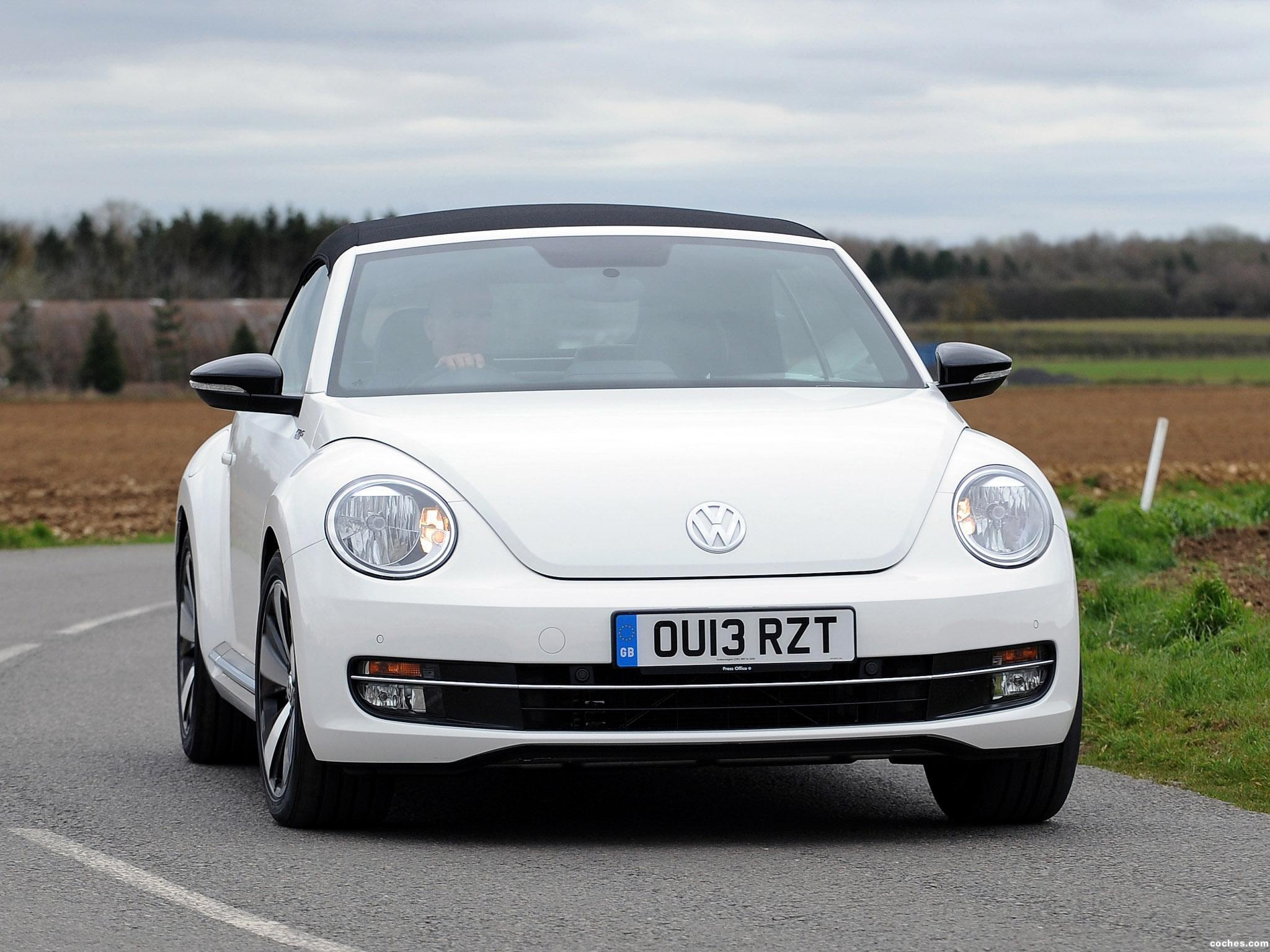 volkswagen_beetle-cabrio-60s-edition-uk-2013_r13.jpg