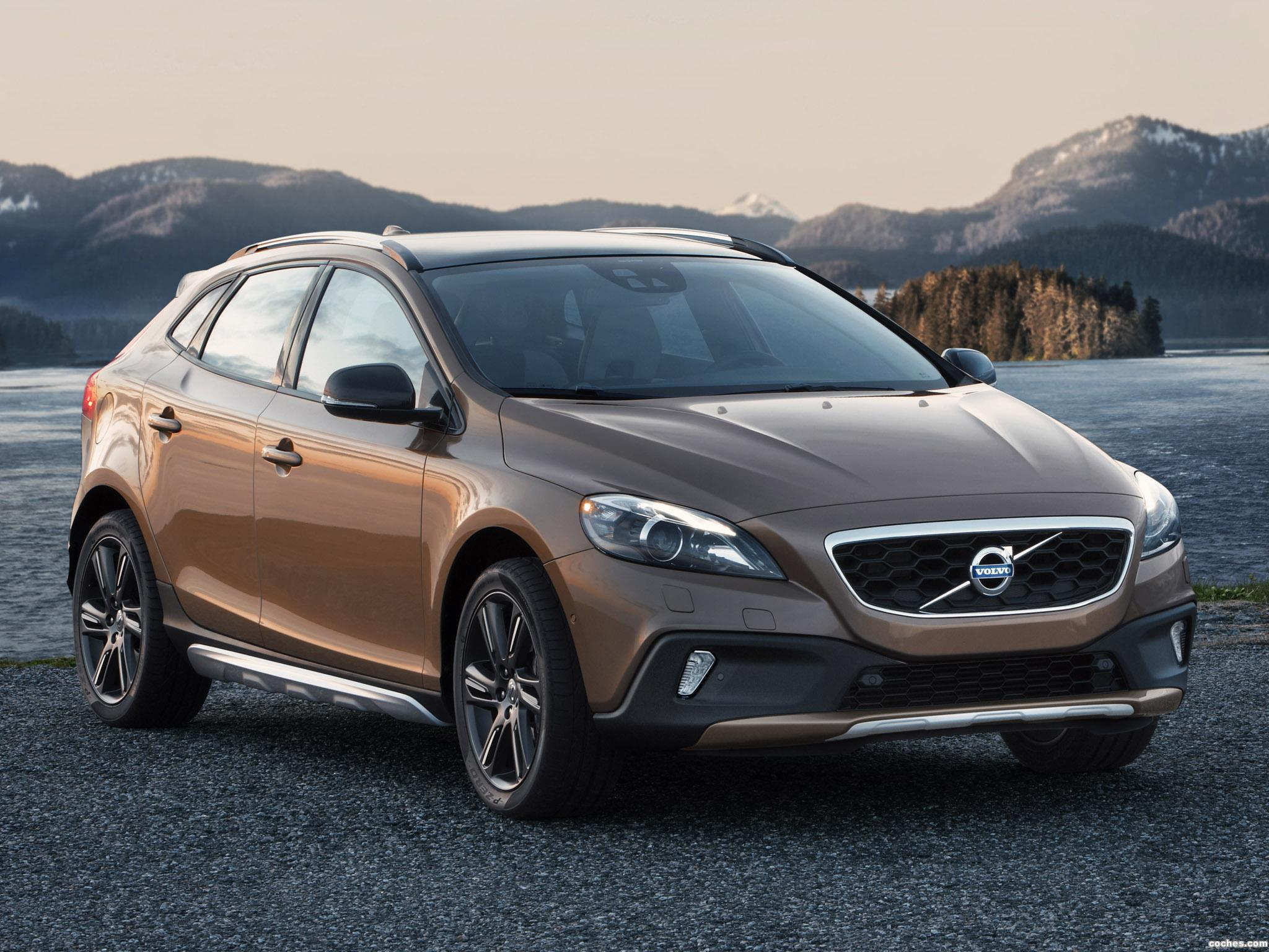 Test: Volvo V40 Cross Country / Autotests / Autowereld.com