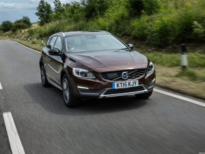 Volvo V60 D3 Cross Country UK 2015