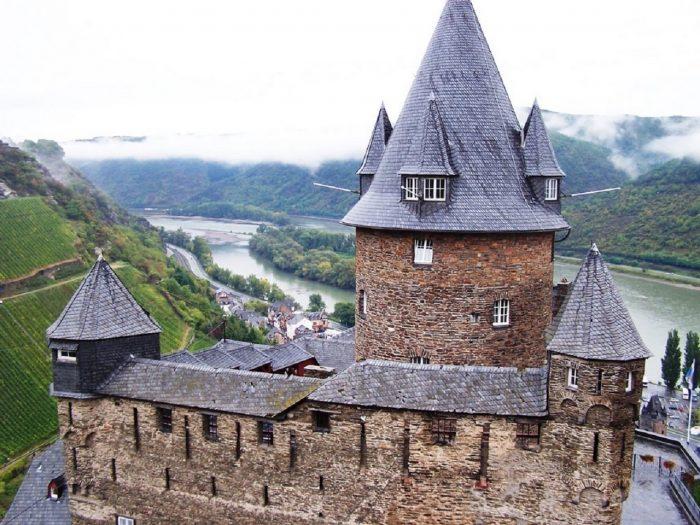 castillo-stahleck