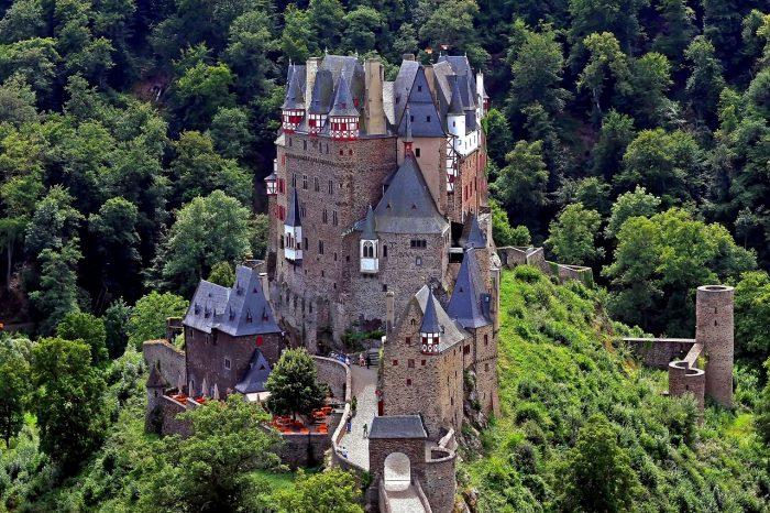 castillo-de-eltz