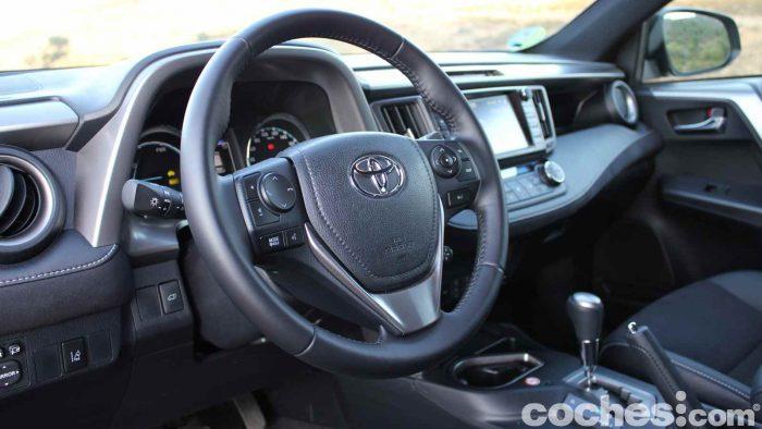 toyota-rav4-hybrid-prueba-interior-04