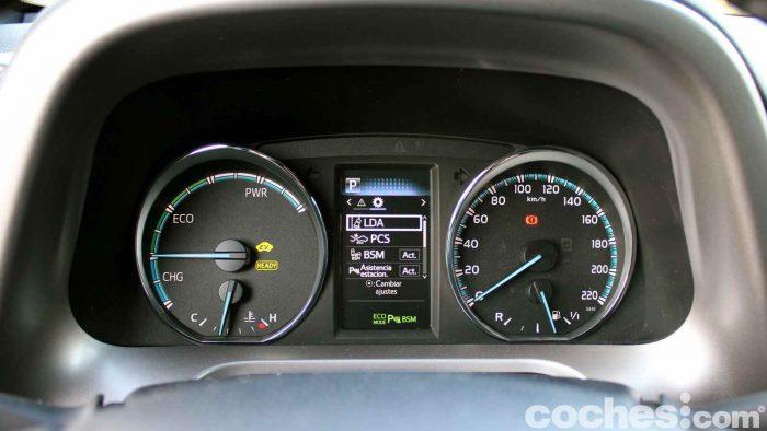 toyota-rav4-hybrid-prueba-interior-06