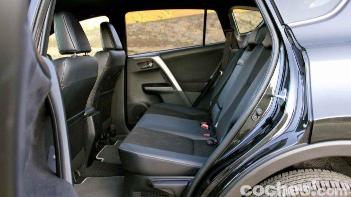 toyota-rav4-hybrid-prueba-interior-08
