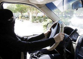 mujer-conduce-riyadh