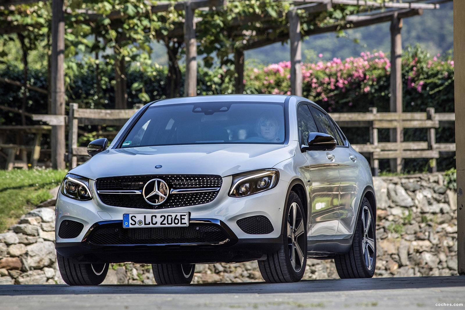 Fotos de mercedes clc coupe 350 e 2017 for Mercedes benz clc coupe