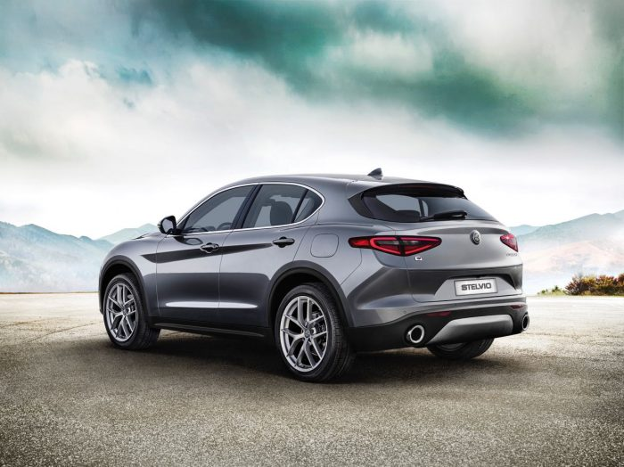 alfa-romeo-stelvio-first-edition-2017-5