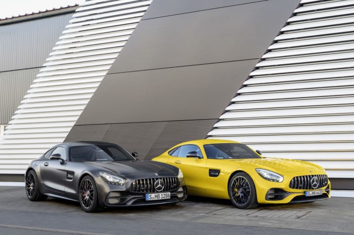 mercedes-amg-gt-s-2017-8