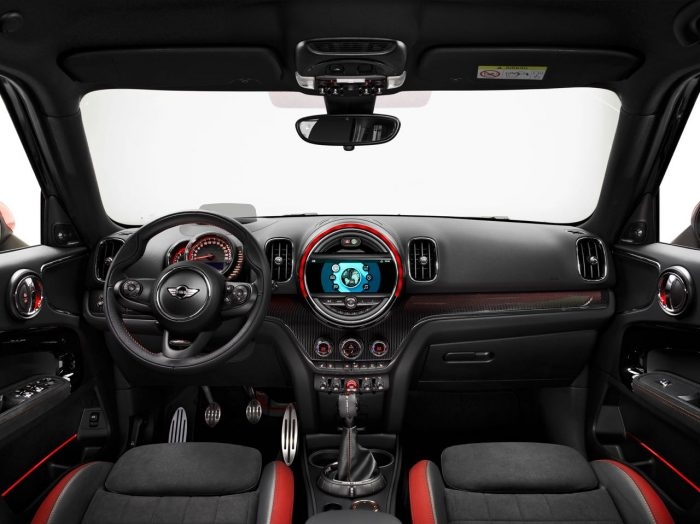 mini-countryman-john-cooper-works-2017-interior-1