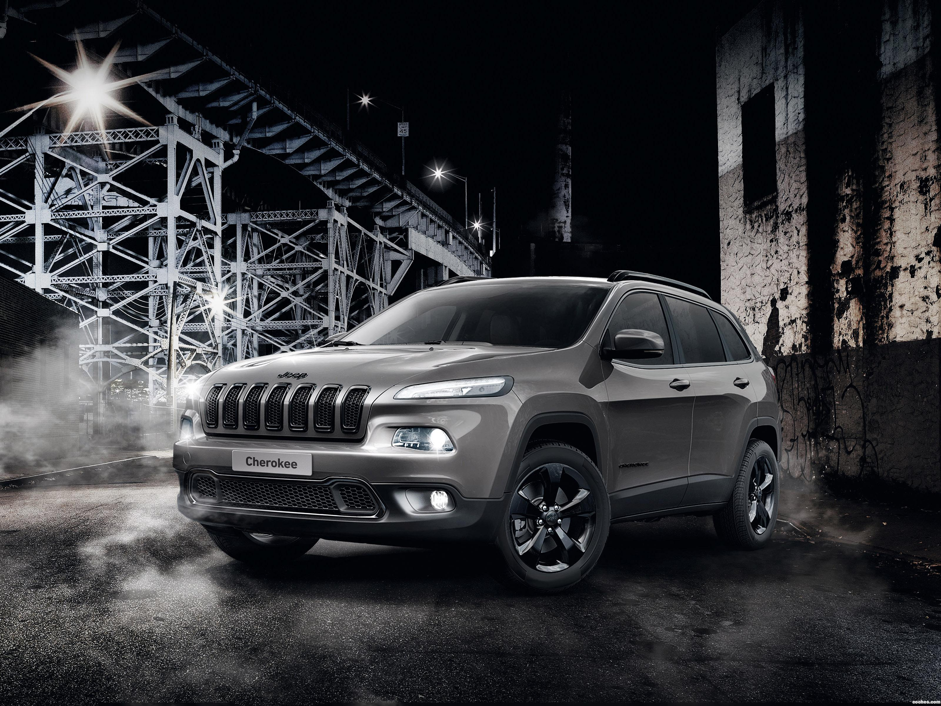 jeep_cherokee-night-eagle-2015_r4.jpg