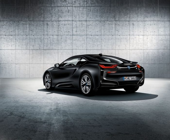 bmw-i8-frozen-black-edition-2017-3