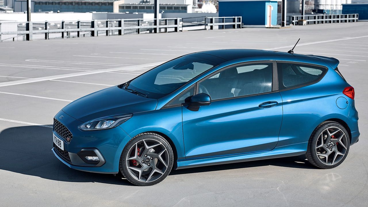 12 ford fiesta with 240057 on Ford Fiesta St200 2016 Review together with Fusiveis Do Fiesta together with Seat Arona Motoren Update Fuers City Suv furthermore Hybrid Cars further Kopru Ve Otoyollara Rekor Zam Geliyor.