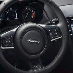 jaguar-f-type-2017-interior-6