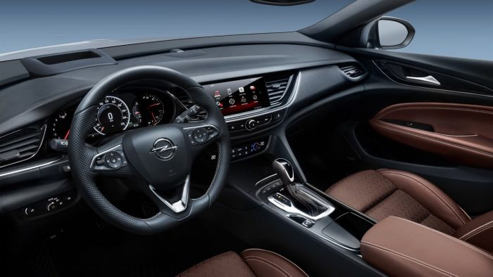 opel-insignia-sports-tourer-2017-interior-1