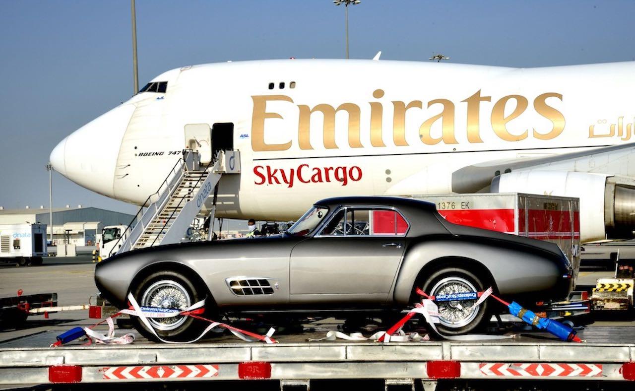 skywheels-emirates-transporte-coches-avion