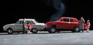 accidente entre dos coches de jugeue