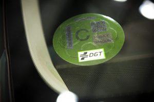 Qué hacer si te envían mal la pegatina de emisiones