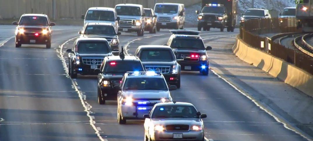 Convoy de coches del Presidente Obama