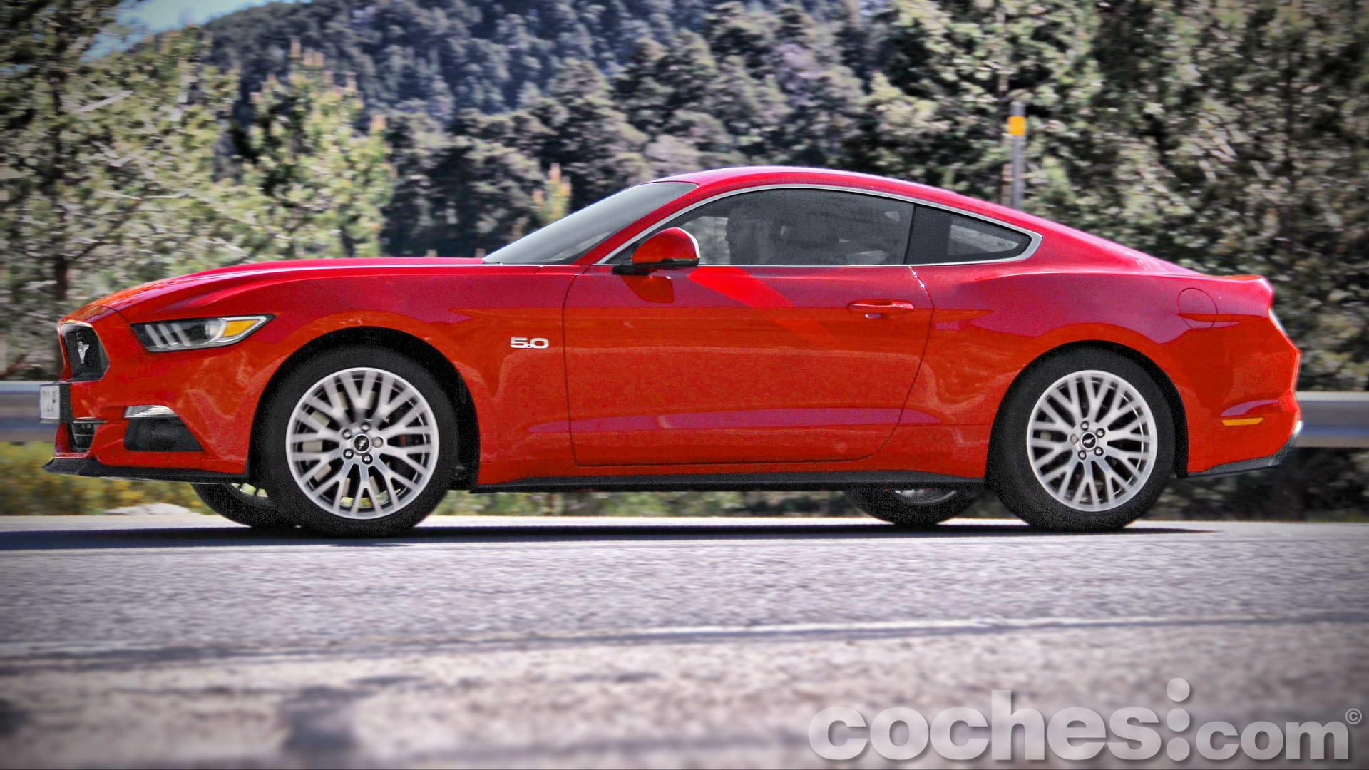 Ford_Mustang_Fastback_GT_5.0_V8_097