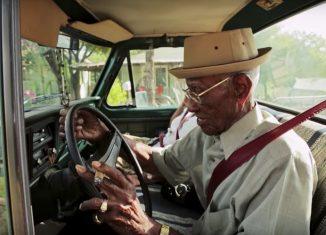 109 años y conduciendo
