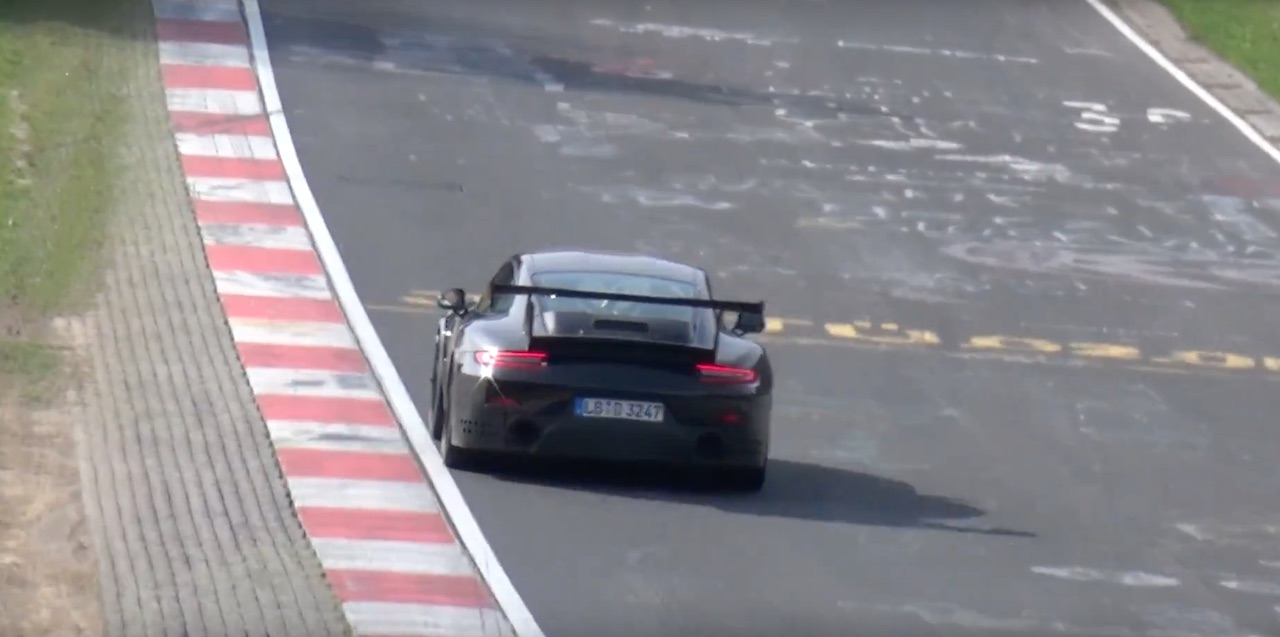 911-gt2-rs-nurburgring-2