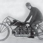 La primera moto en tener el record de velocidad en la Tierra (1)