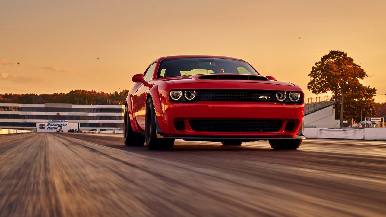 dodge-challenger-srt-demon 5