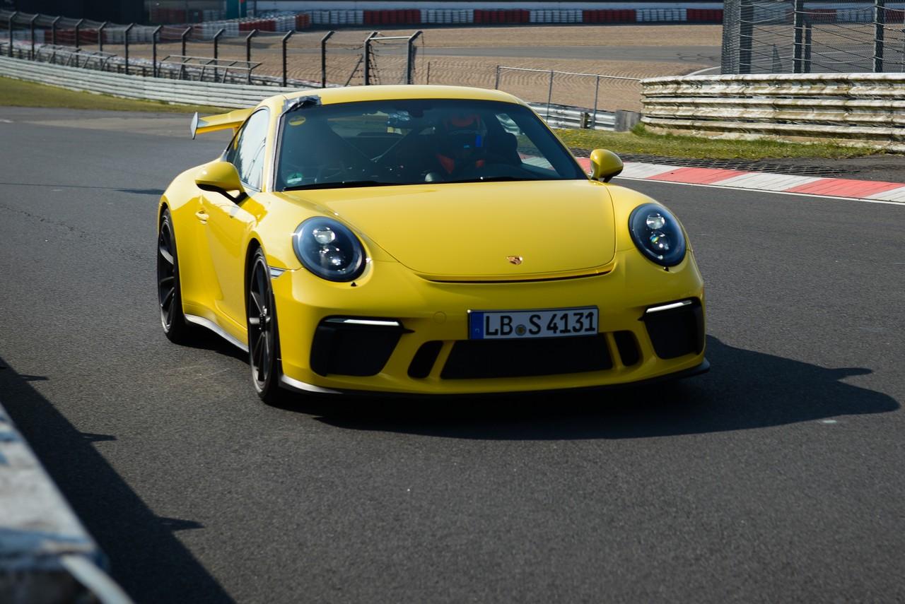 porsche-911-gt3-nurburgring 2