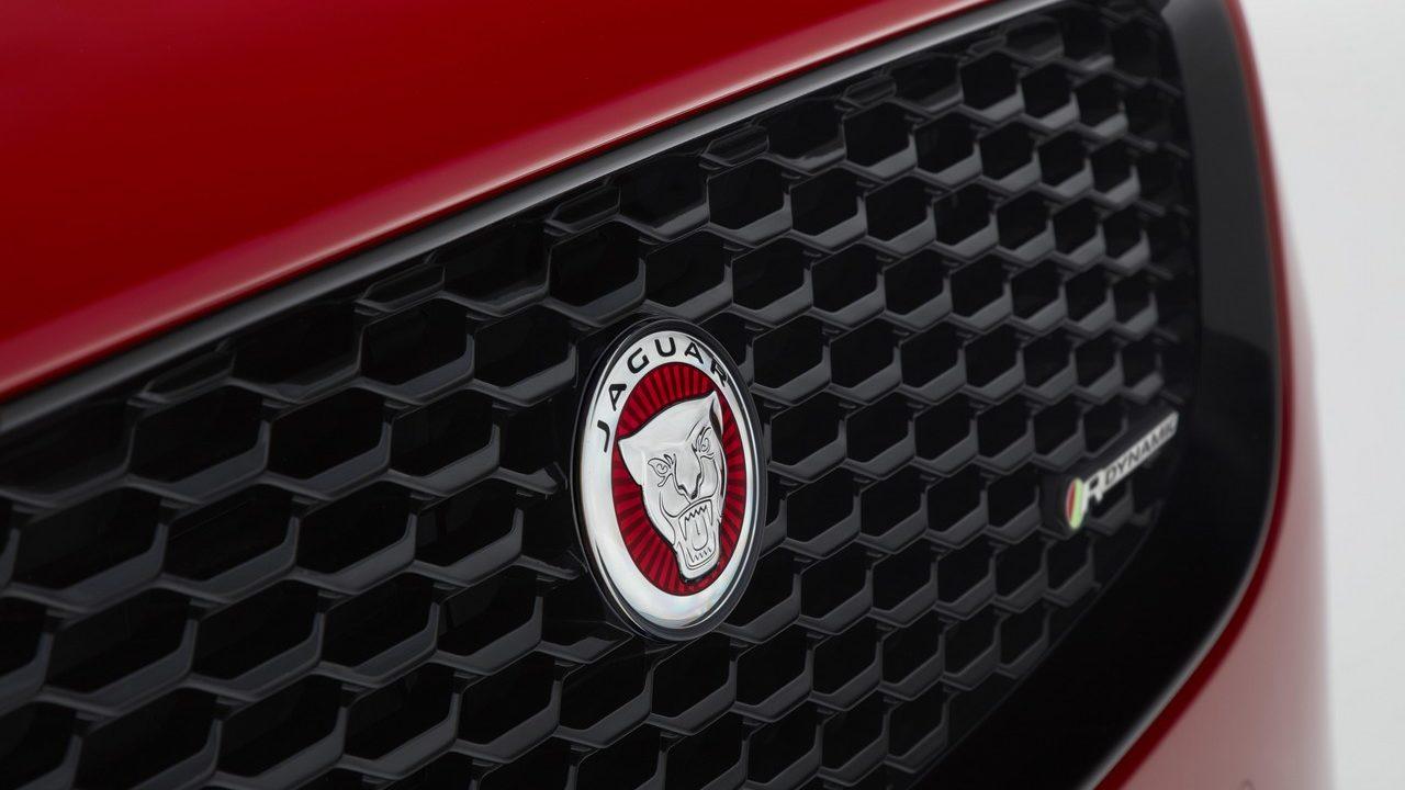 jaguar-e-pace 9