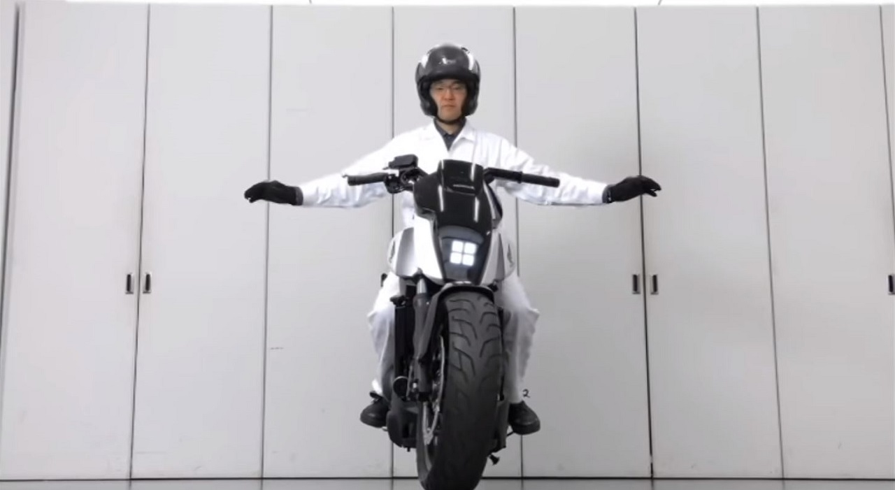 moto auto equilibrio
