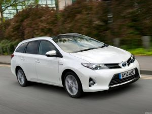 Toyota Auris Touring Sports Hybrid UK 2013