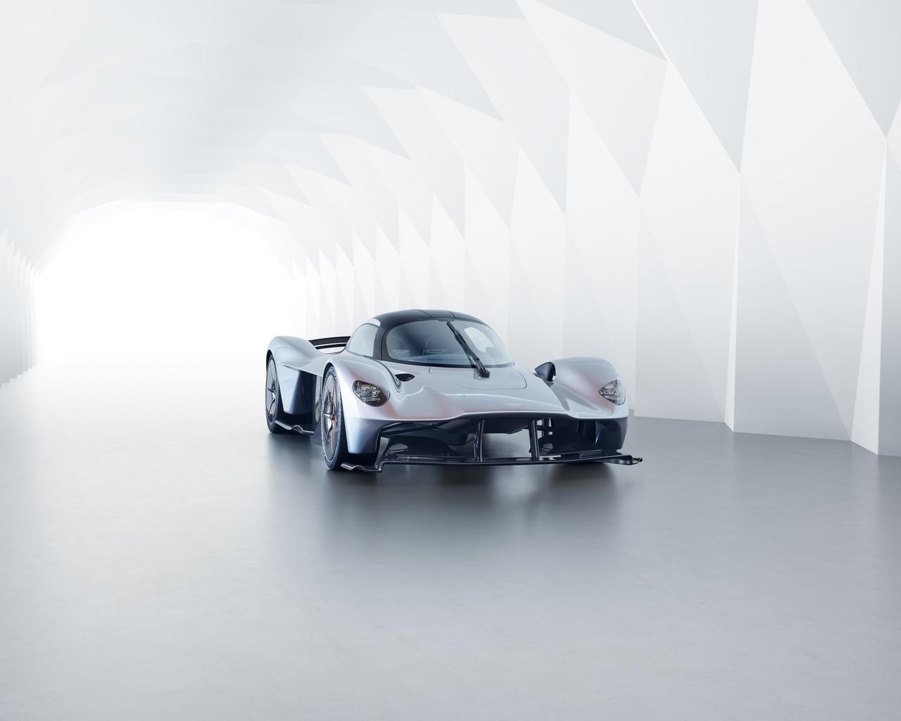 Aston Martin Valkyrie_08