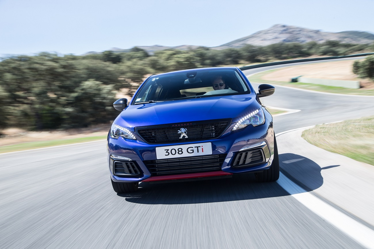 Peugeot_308_GTi (1)