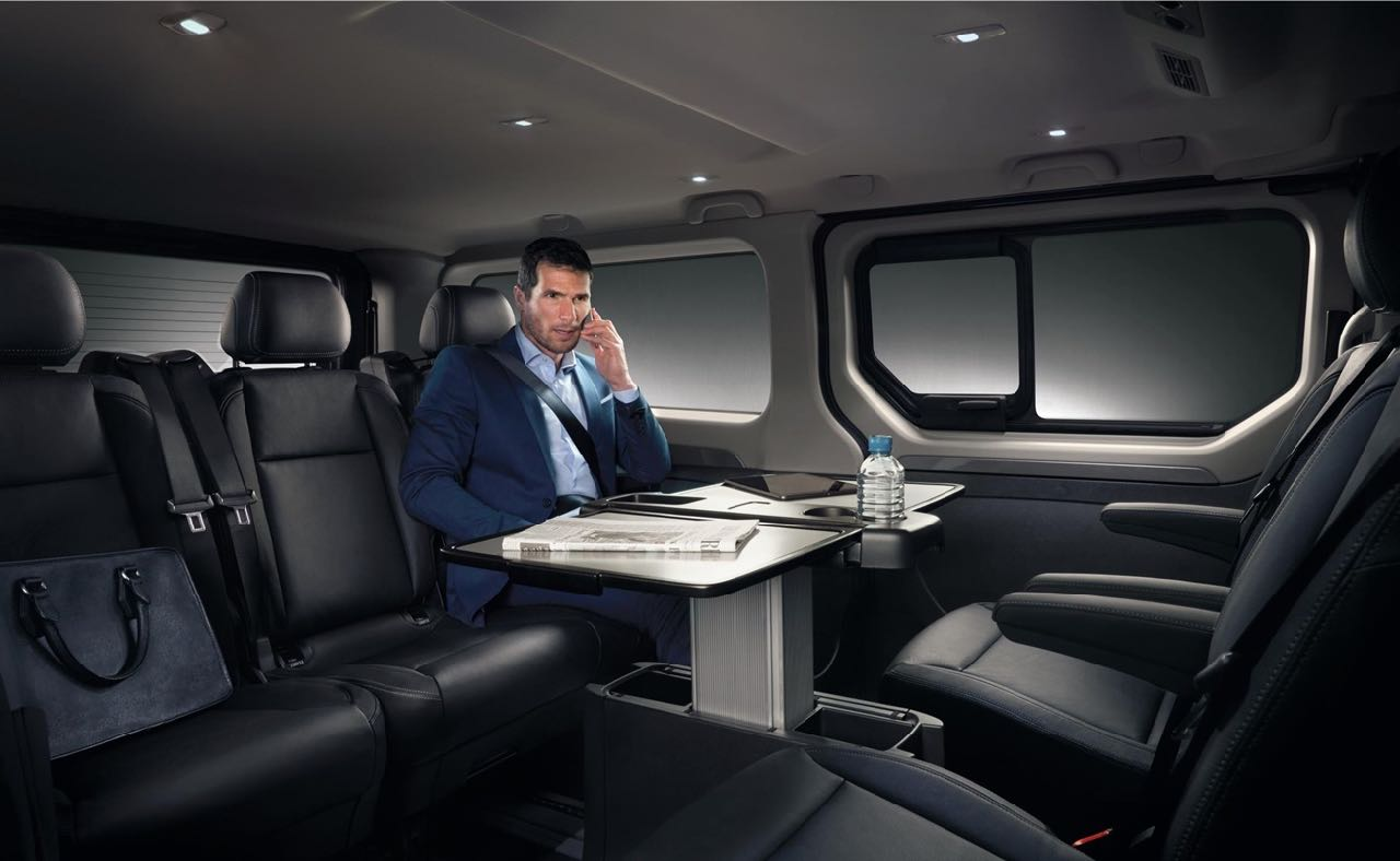 renault trafic spaceclass nueva era del transporte business. Black Bedroom Furniture Sets. Home Design Ideas