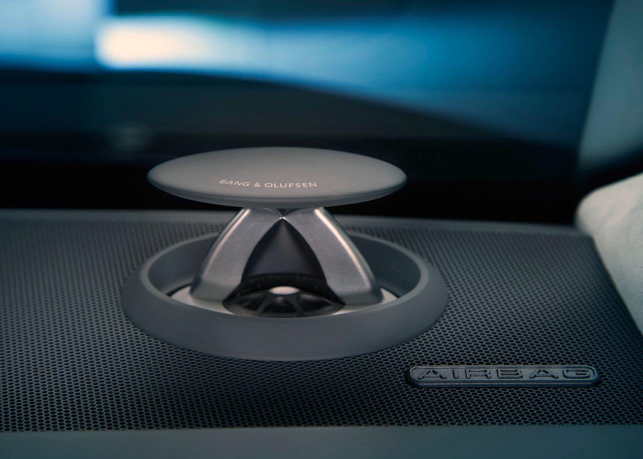 Audi A8 2018 sonido 3D