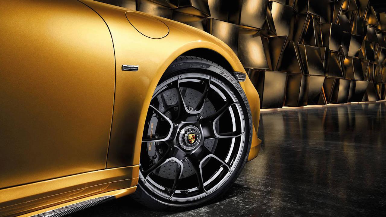 Porsche 911 Turbo S Exclusive Series fabricacion 02