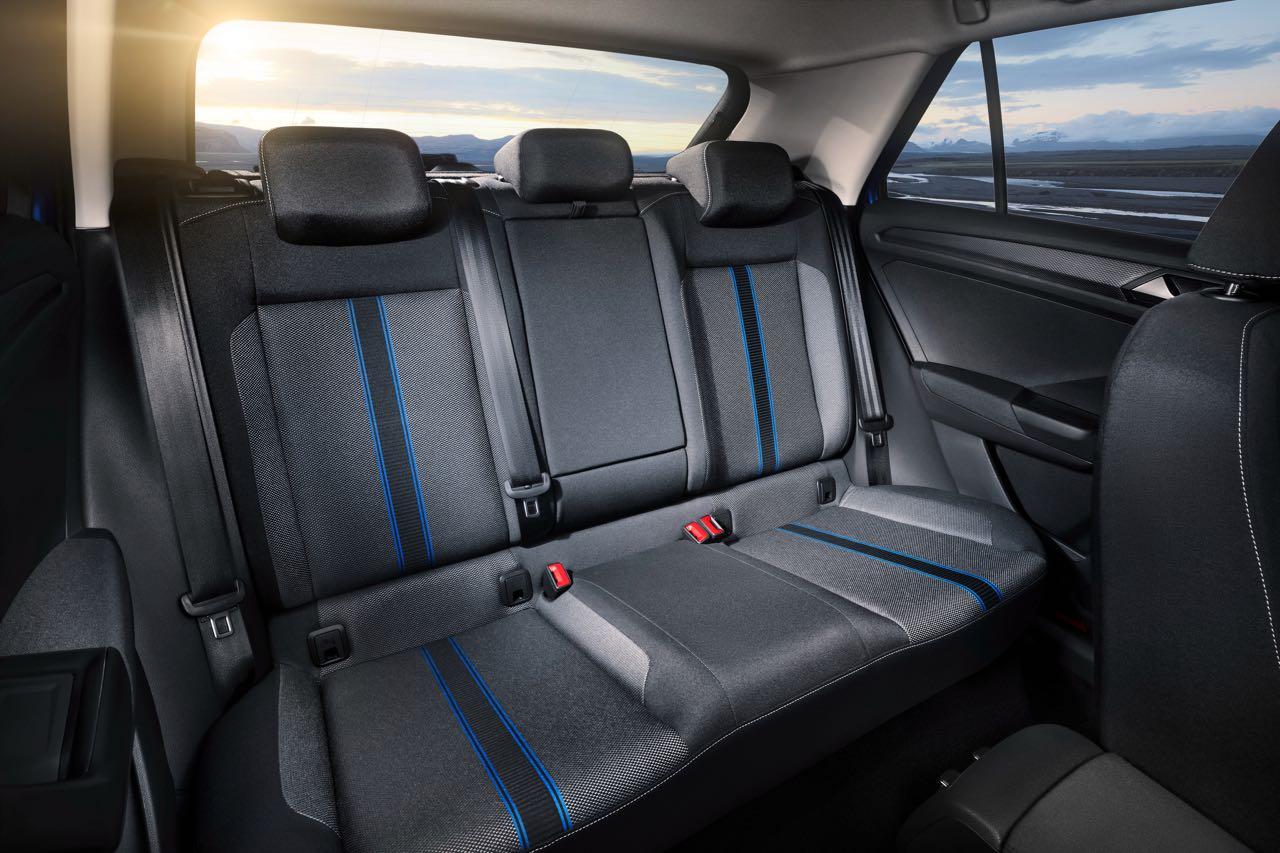 Volkswagen t roc 2018 precios motores equipamientos for Interior volkswagen t roc