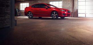 Subaru Impreza Sedán rojo