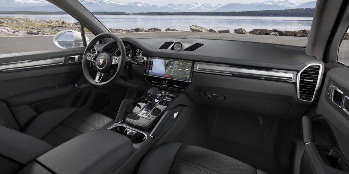 Porsche Cayenne Turbo 2018 interior salpicadero