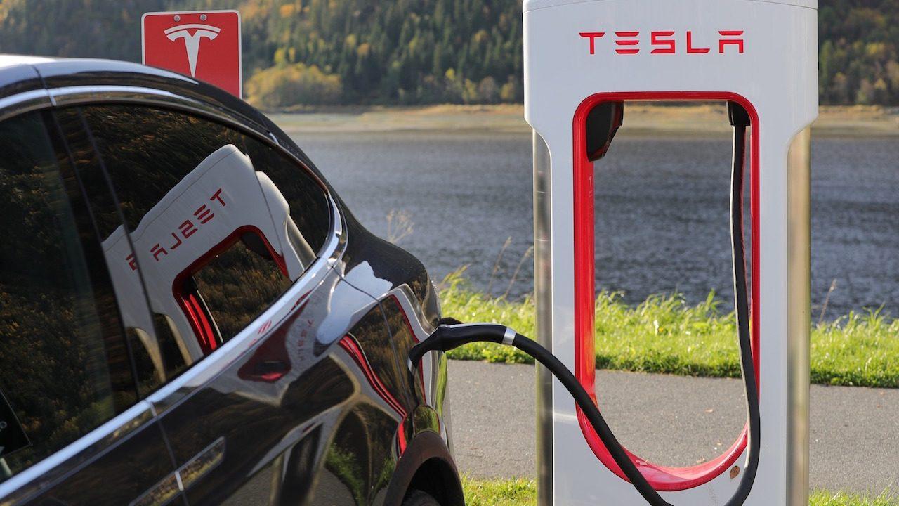 Tesla recarga coches electricos