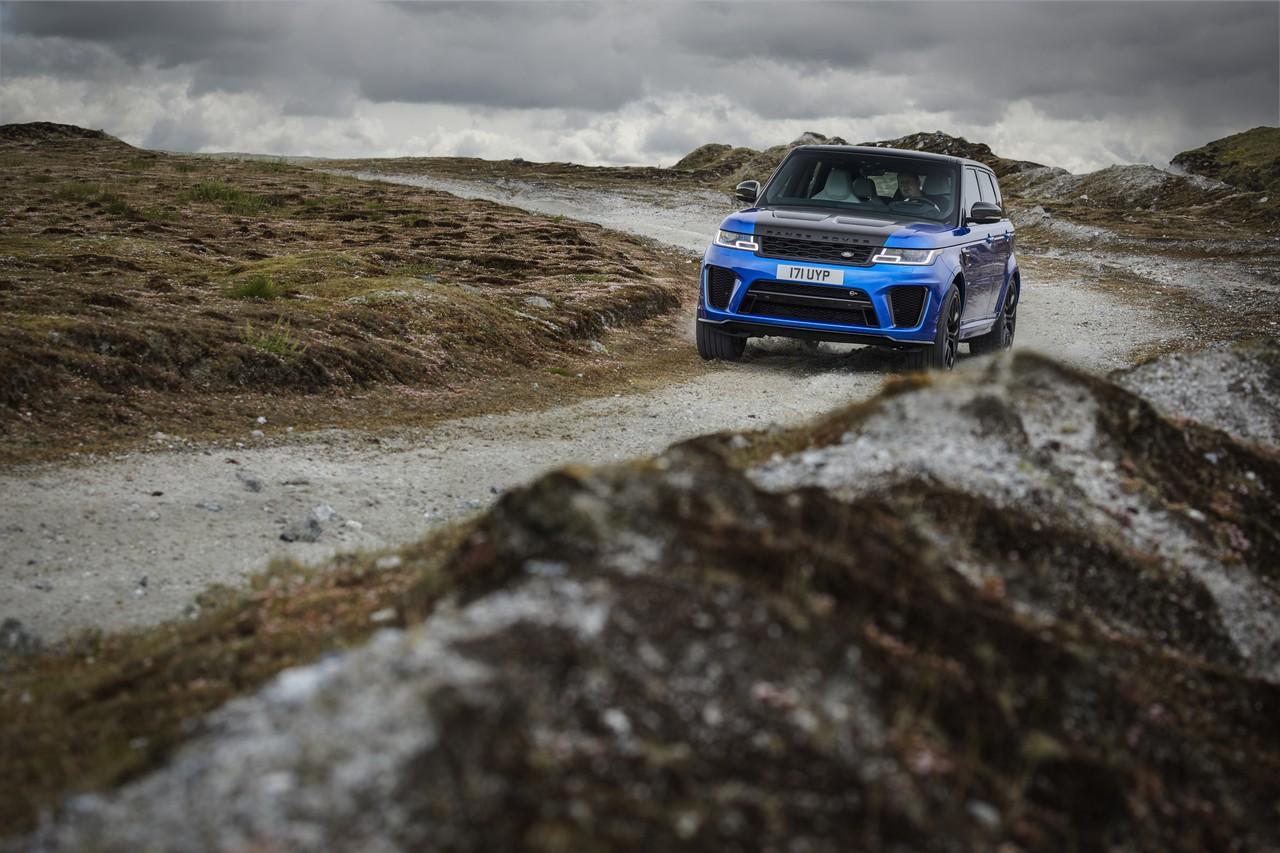 range-rover-sport-svr-2018 9