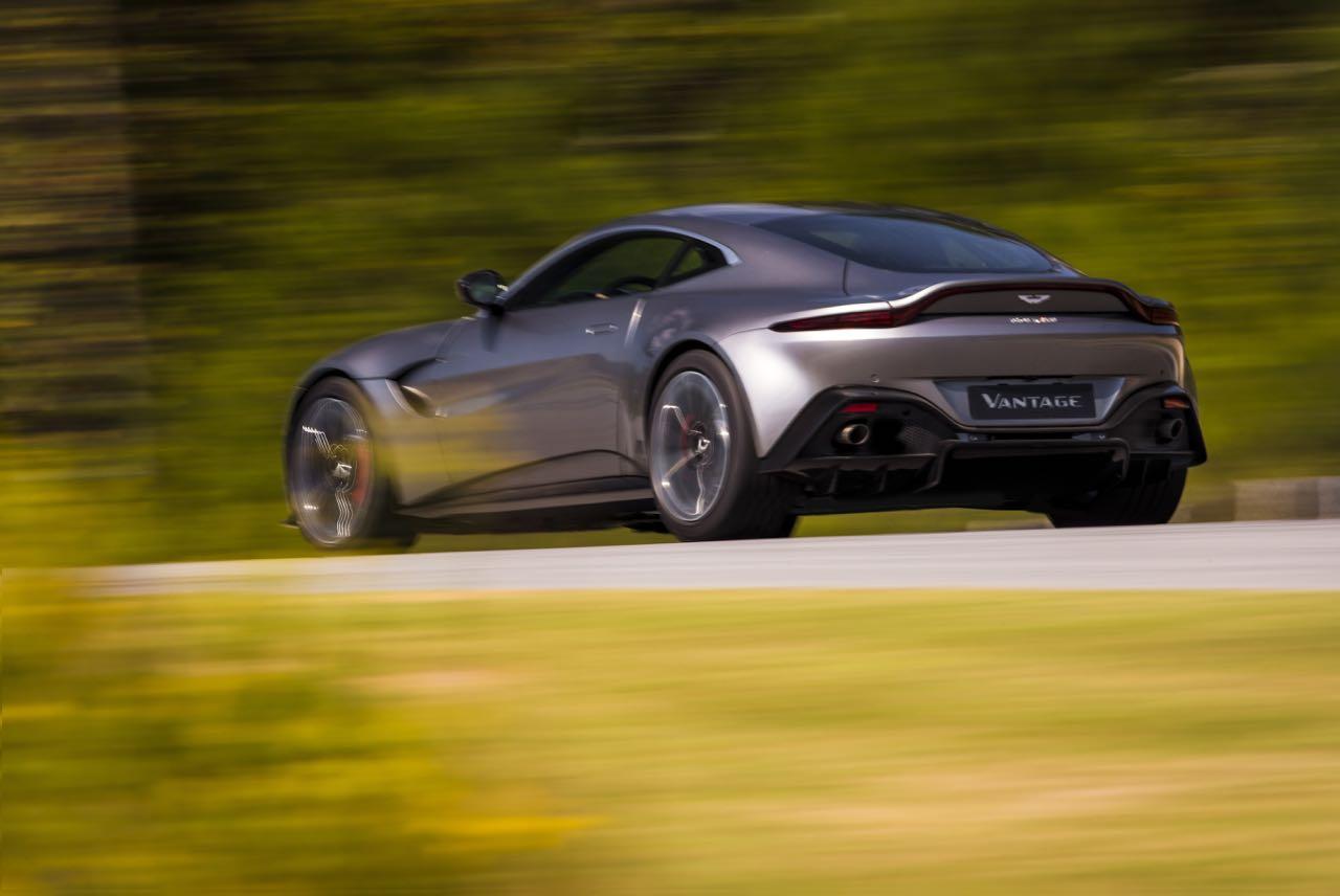 Aston Martin Vantage 2018: Precio, motores, equipamientos