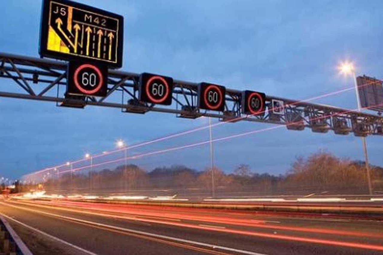 semaforos autopistas inglesas 02