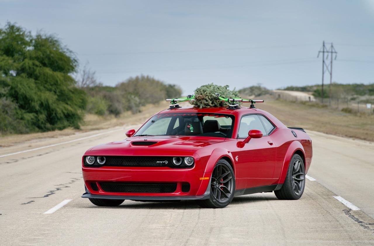 Dodge SRT Hellcat Widebody arbol navidad – 1
