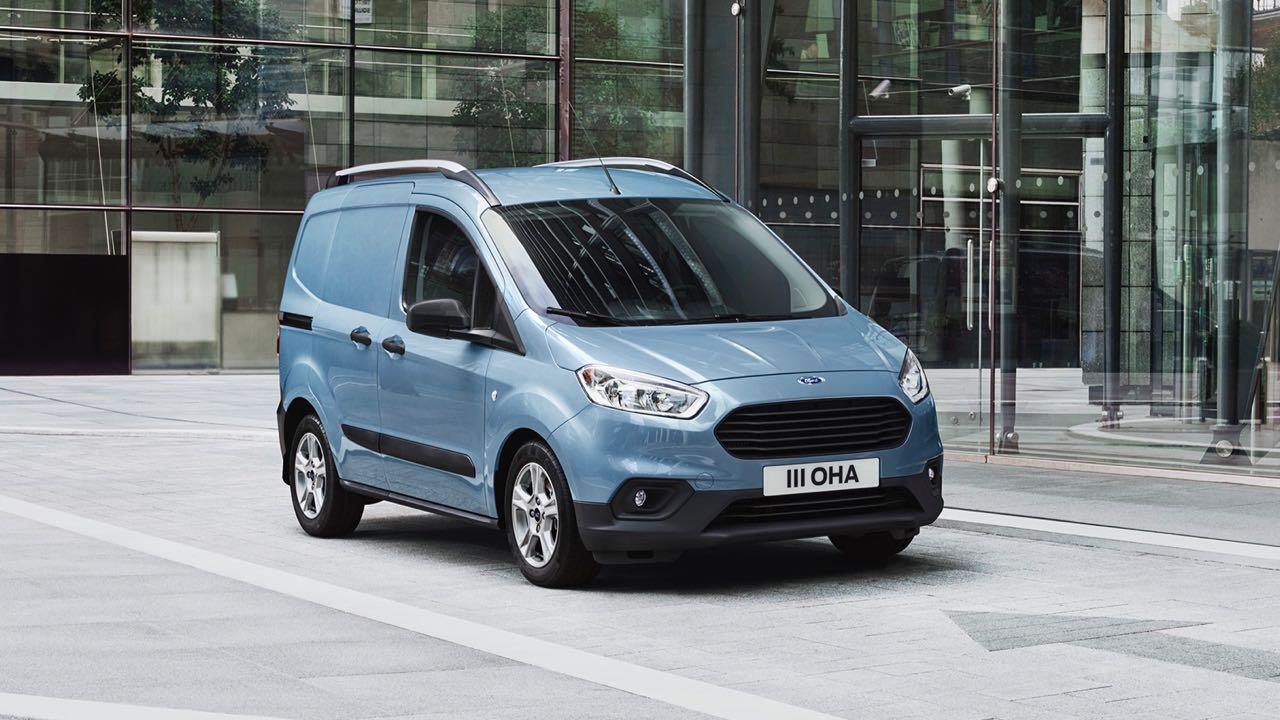 Ford Transit Courier 2018: precios, motores, equipamientos
