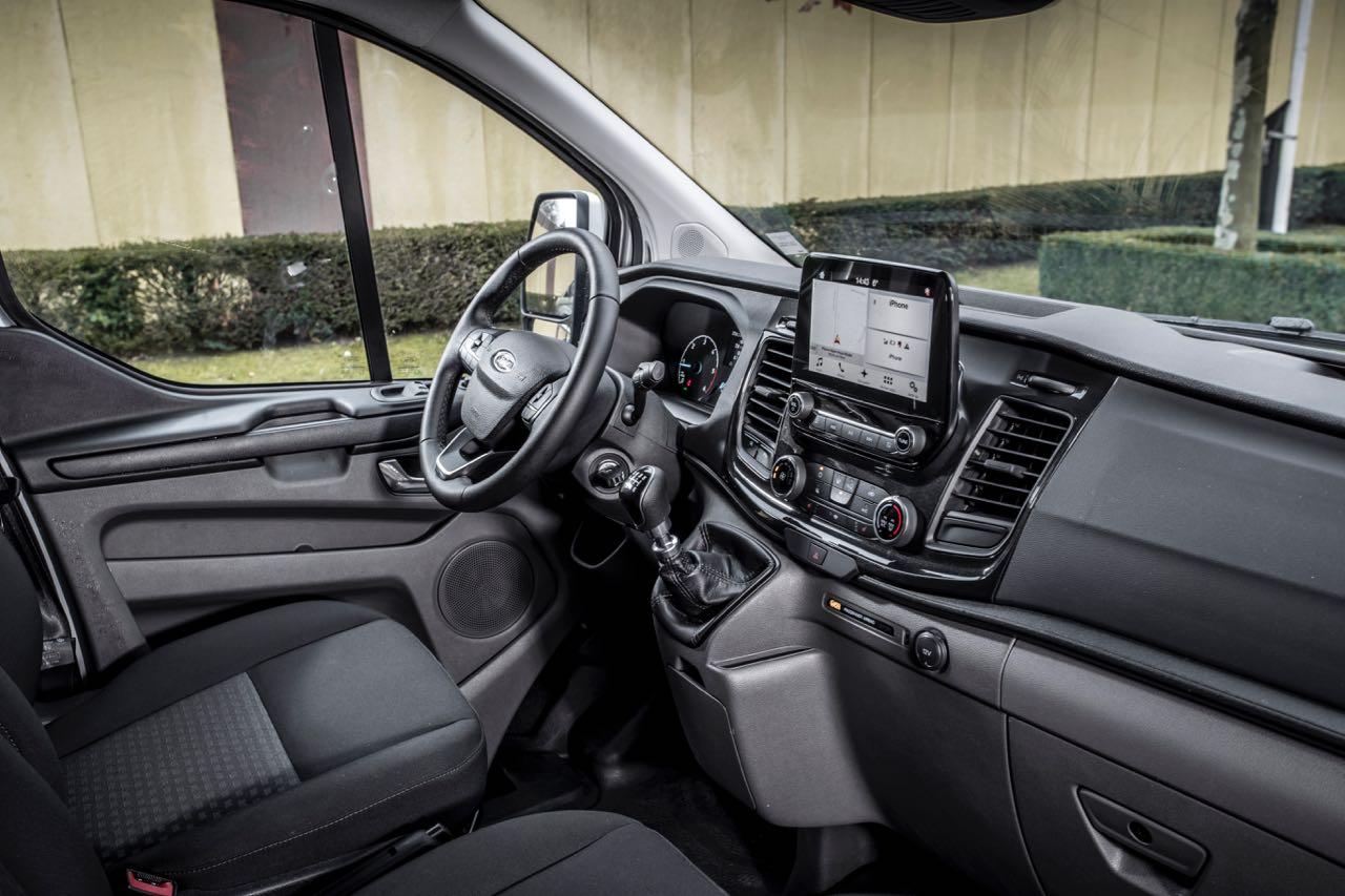 Ford transit custom 2018 precios motores equipamientos for Ford transit custom interior
